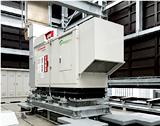災害時の電源を72時間確保する非常用発電機。